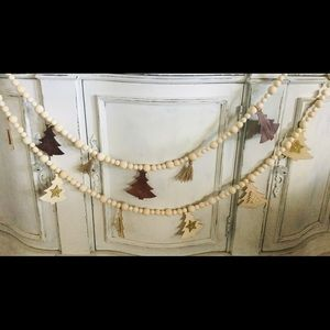 Wood bead garland with Christmas trees 53 inches